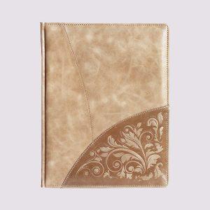 Кожаный ежедневник в бежевом цвете с узором