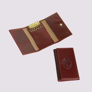 Ключница из кожи в красном цвете с символикой ЦСКА