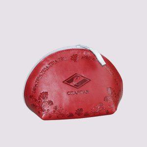 Кожаная косметичка в красном цвете с символикой Спартак