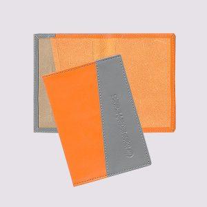 Обложка для паспорта из кожи двухцветная