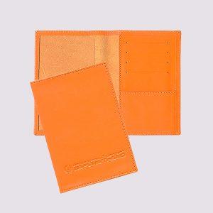 Обложка для паспорта из кожи в ярком оранжевом цвете