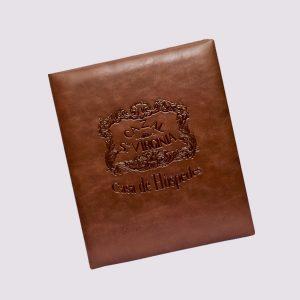 Папки в ресторан в коричневом цвете с логотипом