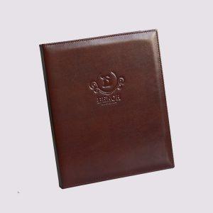 Папка в ресторан в коричневом цвете с логотипом