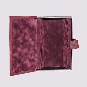 Кожаная подарочная коробка в бордовом цвете с бархатом