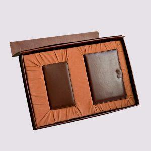 Кожаная подарочная коробка в коричневом цвете