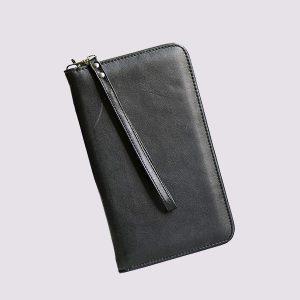 Кожаное тревел-портмоне в черном цвете
