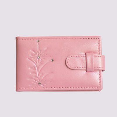 Кожаная визитница в розовом цвете для женщин