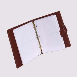 Фотоальбом из кожи в коричневом цвете с застежкой