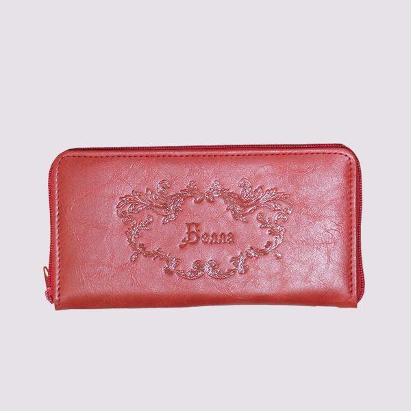 Кожаный кошелек в красном цвете с нанесением имени