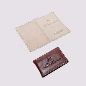 Обложка для паспорта из кожи в бежевом цвете