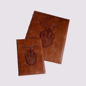 Папки для меню и счета в ресторан в коричневом цвете с логотипом