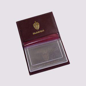 Обложка для удостоверения из кожи в коричневом цвете с золотым тиснением